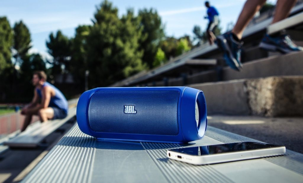 JBL-Charge-2-Bluetooth-Speaker-15.jpg